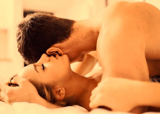 पति पत्नी में प्रेम बढ़ाने के उपाय